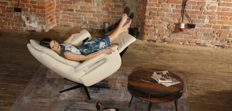 Prozdrowotne aspekty wypoczynku na fotelach marki Livingroom