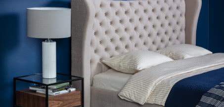 Łóżko tapicerowane Lancaster marki Comforteo