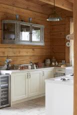 Drewniany Dom I Wnętrze W świerkowych ścianach Czasnawnętrze