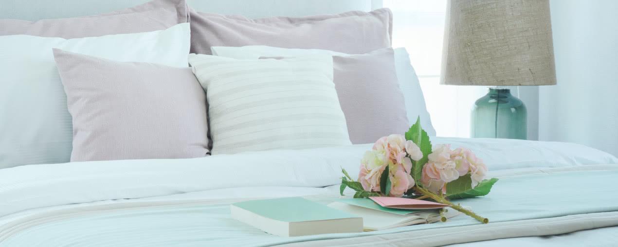 Romantyczna Sypialnia Stylach Retro I Nowoczesnym Jak Ją