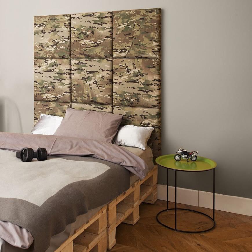 łóżko Z Palet Z Tapicerowanym Zagłówkiem Czasnawnętrze